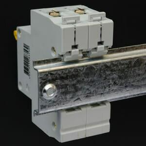 35 mm mounted circuit breaker